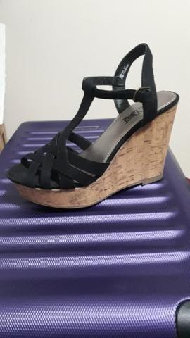 c1950afac6 Sapato Scarpin com Renda - Roupas e calçados - Emaús