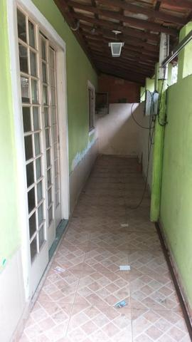 Casa tipo apto térreo 2 qts grandes, e pequeno quintal - desocupado - Nilópolis - Foto 2