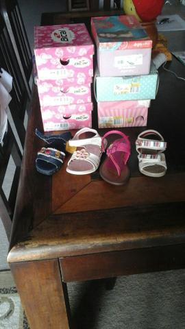 Sandalias infantis