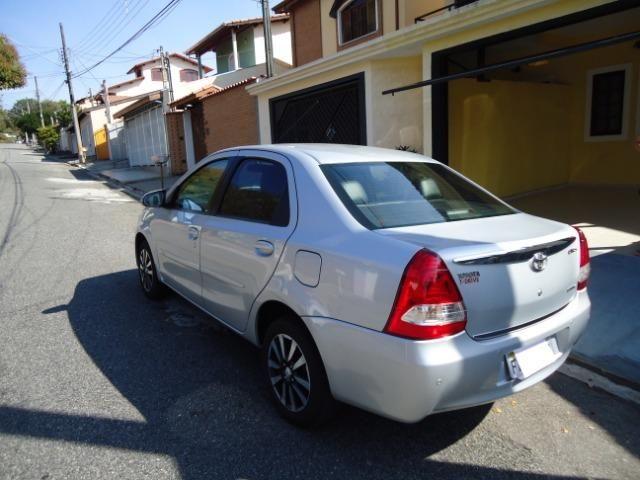 Toyota Etios Platinum Sed - Foto 11