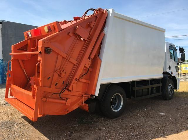Aluguel caminhão compactador prensa coletor de lixo - Foto 7