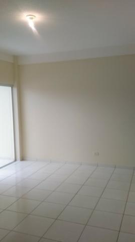Apartamento amplo no Bairro Santos Dumont com 02 vagas garagem - Foto 6