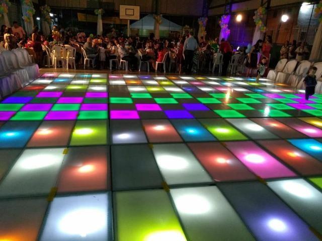 Aluguel de som ,palco ,tablado de vidro, iluminação e gride - Foto 2