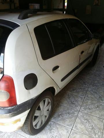 Clio - Foto 5