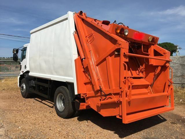Aluguel caminhão compactador prensa coletor de lixo - Foto 12