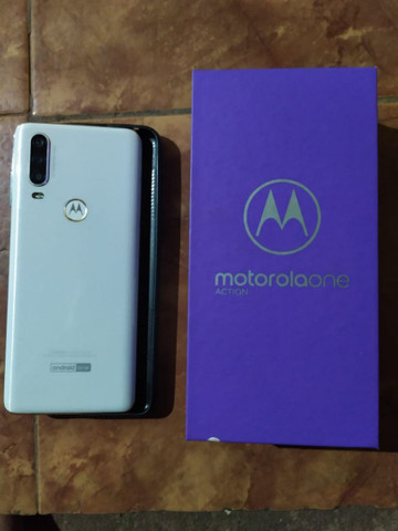 V/t Motorola one macro 128gb