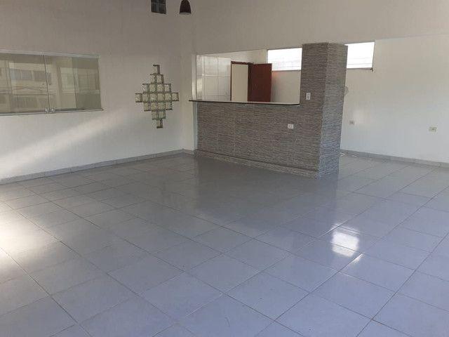 Casa com 360 mts2 de area construida e saloes de festas - Foto 13