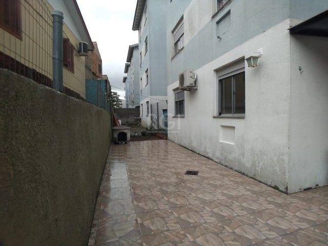 Apartamento térreo  com pátio 2 dormitórios no condomínio Reserva da Figueira no bairro Lo - Foto 13