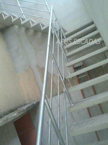 AFHS -Escadas Pré moldadas de Concreto  /Grades/Corrimão - Foto 4