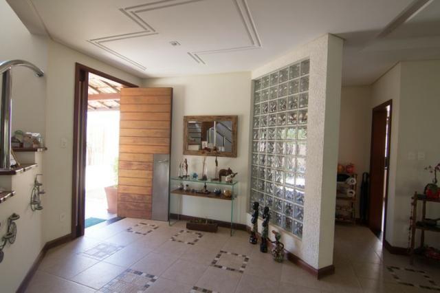 Casa Triplex 4/4 1 suíte, closet, sala meditação, estúdio, dependência, 5 vagas - Foto 2