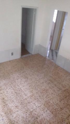 Casa tipo apto térreo 2 qts grandes, e pequeno quintal - desocupado - Nilópolis - Foto 8