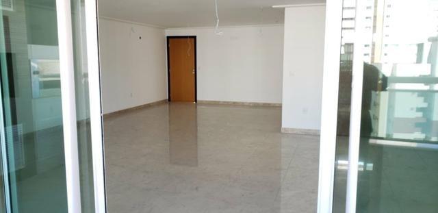 Apartamento com 237m², Meireles, 4 Suítes, 4 vagas - Foto 18