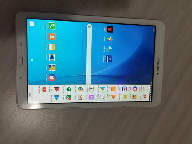 Tablet Galaxy Tab E praticamente zerado