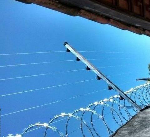 Instalação de cerca elétrica com e sem concertina