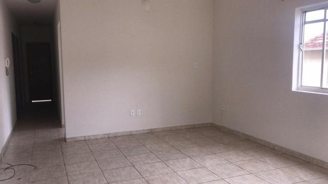 Aluga-se apartamento na Rua Ciro Nunes, em Guanhães/MG - Foto 2