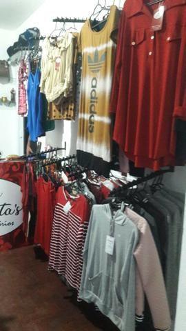 Vendo várias peças de roupas 280 e 50 assessorios - Foto 2