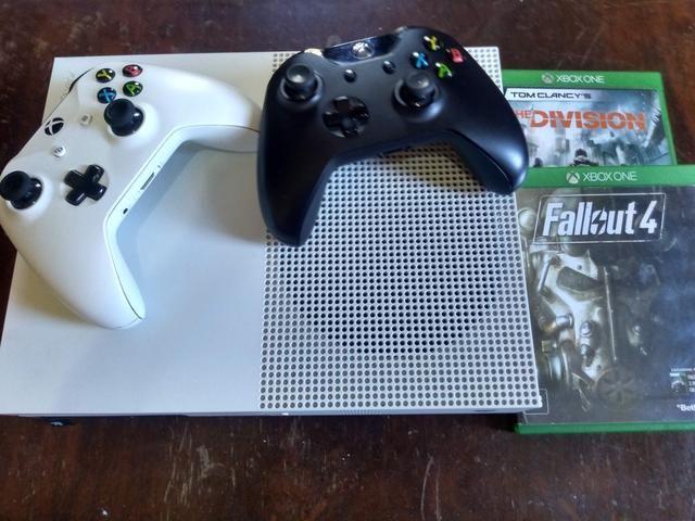 Xbox One S + 23 Jogos + 1 Controle