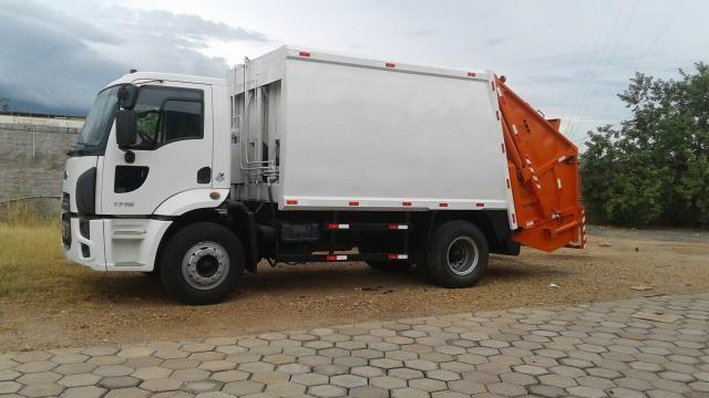 Aluguel caminhão compactador prensa coletor de lixo - Foto 15