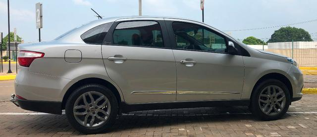 Fiat Grand siena essence 1.6 Flex todo revisado! - Foto 4