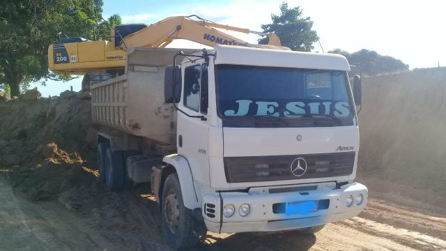 Mercedes Atron 2729 2014 caçamba Parcela 2.295,04 - Foto 3