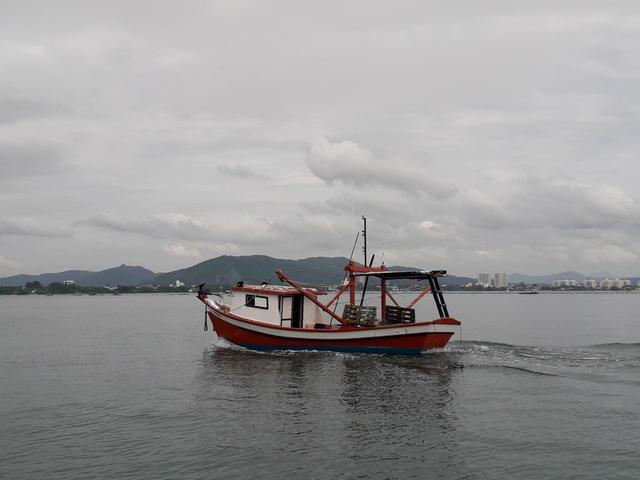 Bote de arrasto camarão - Foto 2