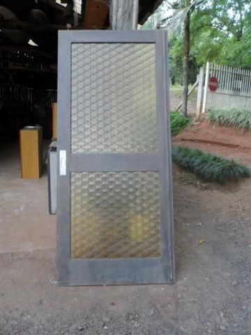 Porta madeira maciça, de correr, com vidro - Foto 2