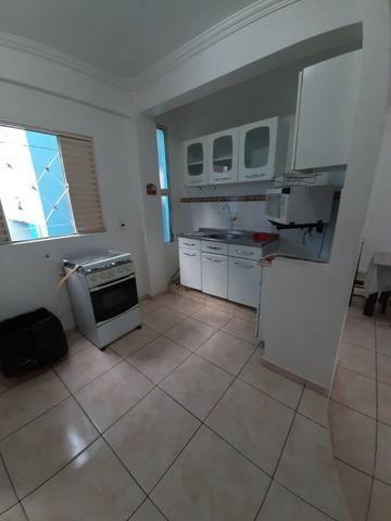 Condomínio Paulo VI, Semi Mobiliado, 2 Qts, Localizado em Petrópolis/ 2 Andar