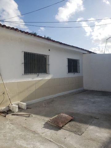 Alugo casas em Cajueiro Seco com garagem, 03 quartos próximo ao supermercado leve mais - Foto 8