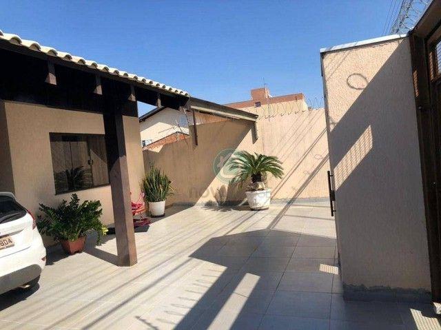 Belíssimo sobrado em uma localização privilegiada no bairro Monte Castelo - Foto 3