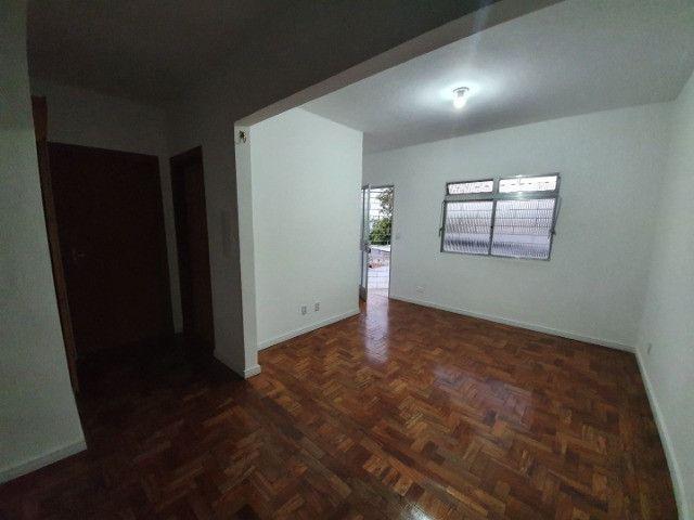 Casa com 2 apartamentos de 90m2 cada mobiliado + espaço comercial.  - Foto 7