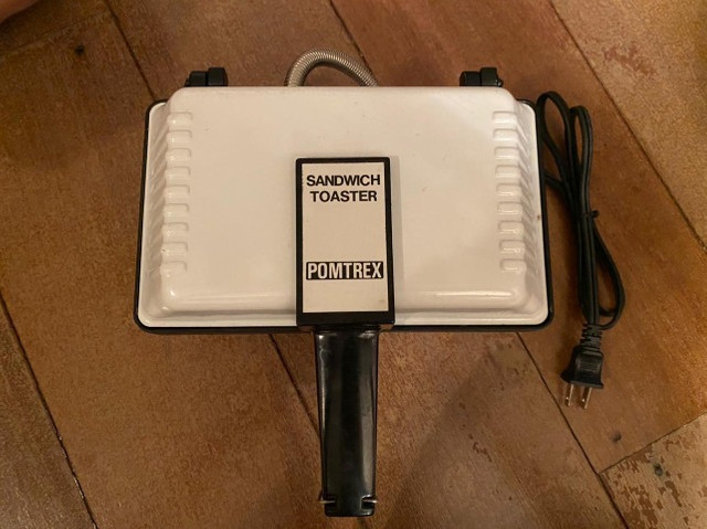 Sanduicheira Pomtrex Modelo 650-12430