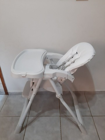 Cadeira alimentação SEMI NOVA... COM ESTOFADO NOVO  - Foto 3
