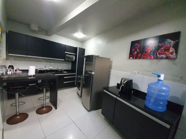 Casa com 2 apartamentos de 90m2 cada mobiliado + espaço comercial.  - Foto 16