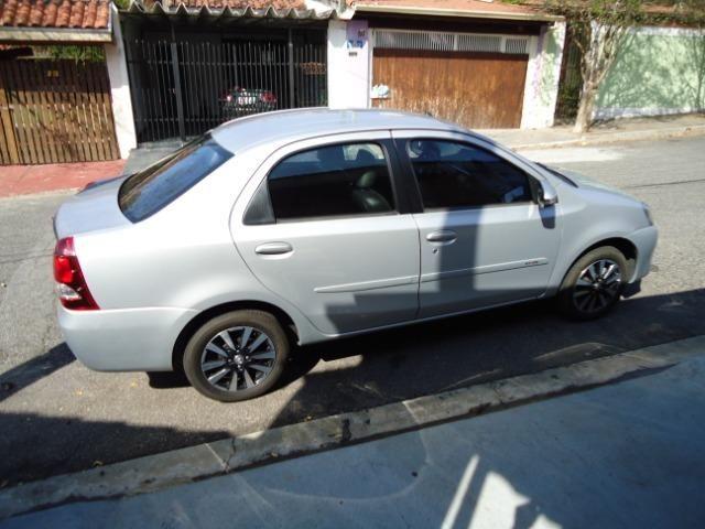 Toyota Etios Platinum Sed - Foto 4