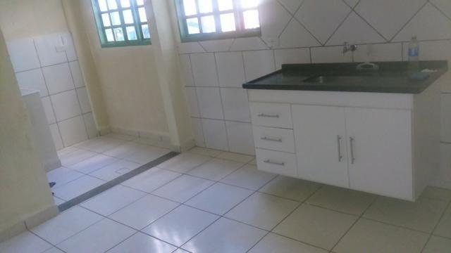 Apartamento amplo no Bairro Santos Dumont com 02 vagas garagem