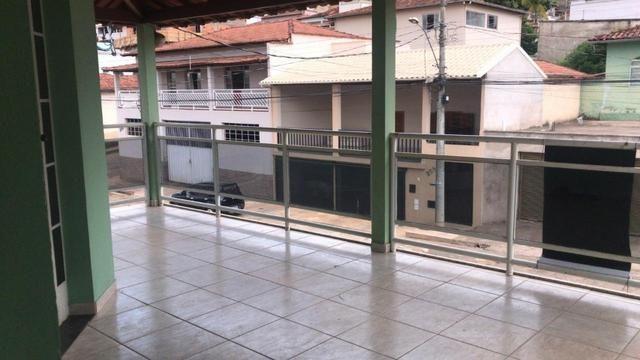 Aluga-se apartamento na Rua Ciro Nunes, em Guanhães/MG