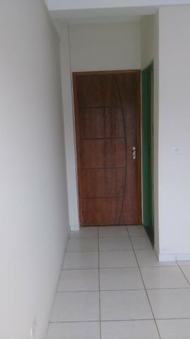 Apartamento amplo no Bairro Santos Dumont com 02 vagas garagem - Foto 9