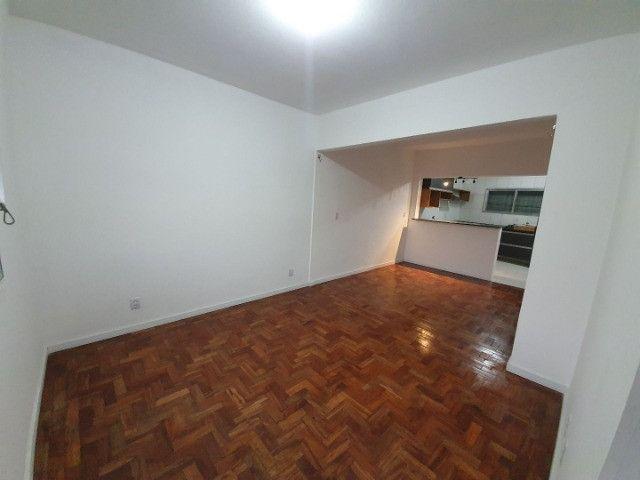 Casa com 2 apartamentos de 90m2 cada mobiliado + espaço comercial.  - Foto 12