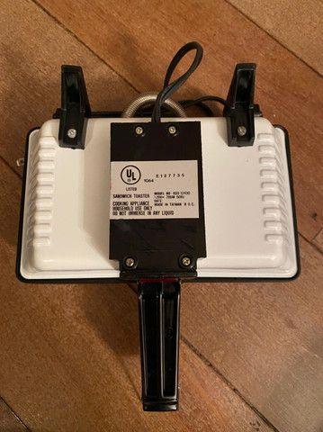 Sanduicheira Pomtrex Modelo 650-12430 - Foto 3