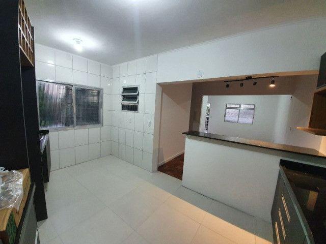 Casa com 2 apartamentos de 90m2 cada mobiliado + espaço comercial.  - Foto 9