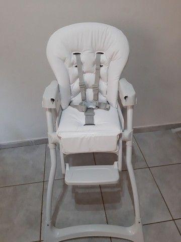 Cadeira alimentação SEMI NOVA... COM ESTOFADO NOVO  - Foto 5