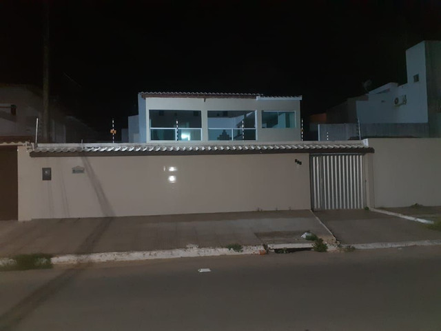 Casa com 360 mts2 de area construida e saloes de festas - Foto 12