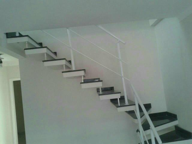 AFHS -Escadas Pré moldadas de Concreto  /Grades/Corrimão - Foto 6