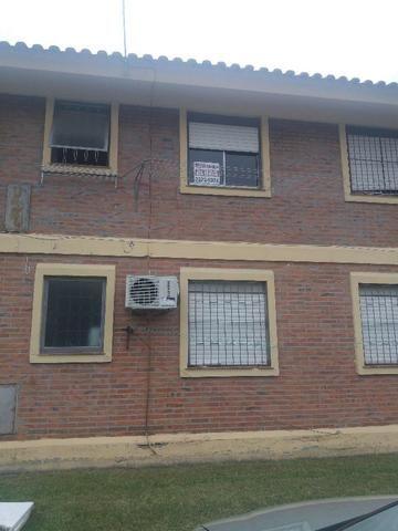 Apartamento Vilage Center I, Setor 3 - Semi mobiliado, com lareira, balcão de pia