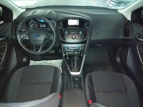 Ford Focus 2.0 se Fastback 16v - Foto 6