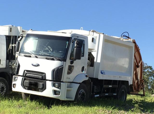 Aluguel caminhão compactador prensa coletor de lixo - Foto 4