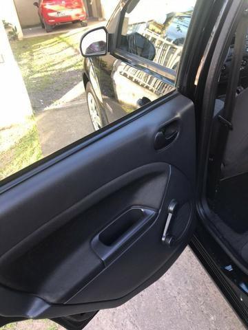 Ford Fiesta Sedan em perfeito estado - Foto 8