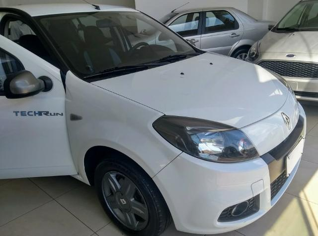Renault Sandero EXP com o Kit Tech Run 1.0