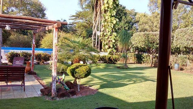 Rancho em Indiaporã 6050m², de fundos com o Rio Grande com casa sede, casa de caseiro, - Foto 2