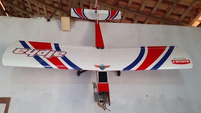 Aeromodelo Alpha hangar 9